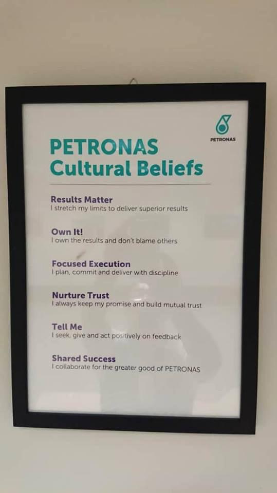 Rotatable Floor Stand Kiosk For Petronas Klcc