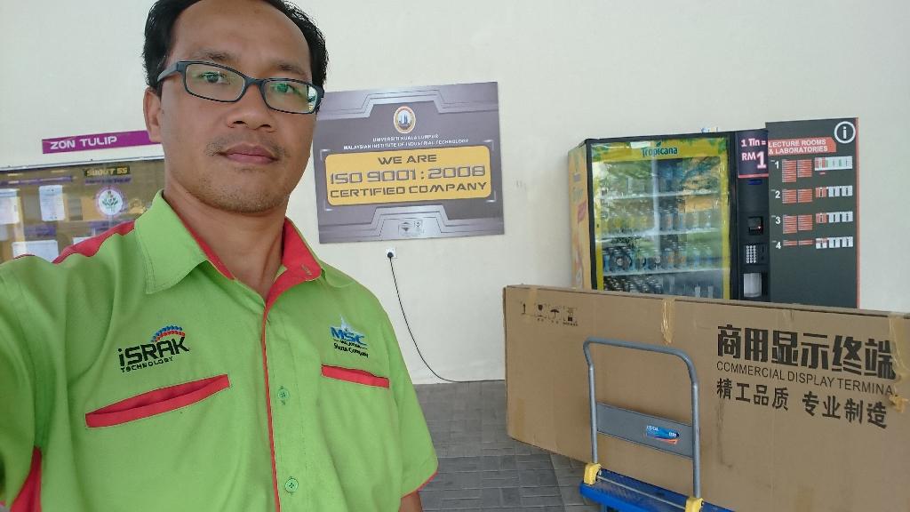 Floor Stand Touchscreen Kiosk For Unikl Pasir Gudang